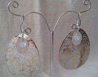 Earrings oval white butterflies