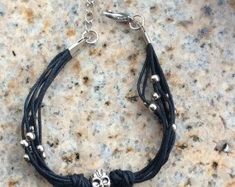 Skull Bracelet, Gothic Bracelet, Bracelet, Black and Silver by JL JewelryNovelties