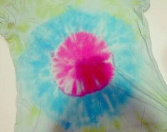 Woman's Tie dye shirt, Tie Dye t-shirt, Tie Dye tee, Blue and pink tie dyed shirt, Woman's shirt, Woman's Tshirt, Tie dye V-neck shirt