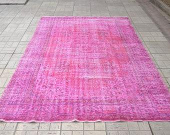 Fuschia overdyed rug. Turkish vintage rug. Vintage overdyed rug. Turkish carpet. Free shipping. 9.5 x 5.9 feet.