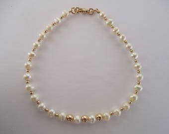 14kt Gold and Pearl Bracelet - June Birthstone - Freshwater Pearls - Dainty Bracelet - One of a Kind - Delicate Bracelet - Bridal Jewelry