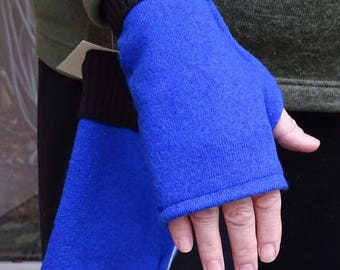 Fingerless wool gloves mittens from Merino wool sweaters lined with fleece blue brown upcycled soft warm ecofriendly