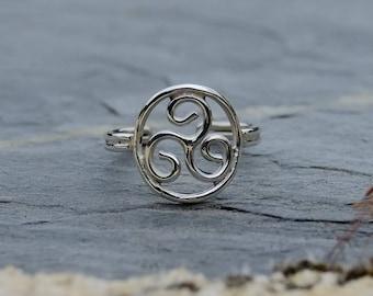Triskell silver ring - KkumArt