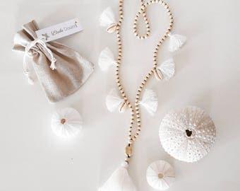 White or pink salt necklace