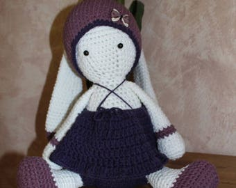 Rabbit in the purple / mauve hook