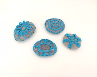 Blue-Turquoise Lace stone made in Italy Collection, 4 Blue-Turquoise Crochet Covered Stone, Paperweight, Home Decor, Beach Wedding decor