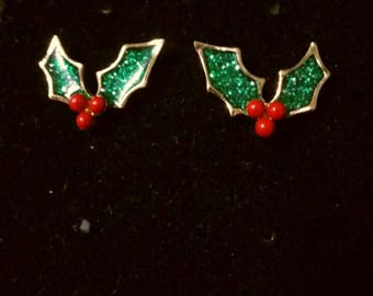 Christmas in July HollyAndBerry leaf post earrings
