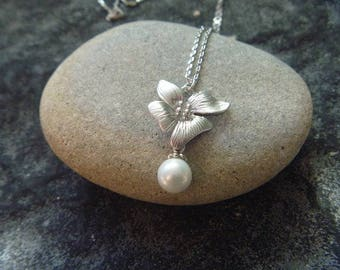 Necklace Orchid and pearls