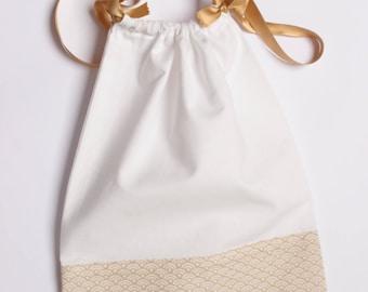 Pochon à lingerie blanc et or - sac à projet tricot ou crochet - vague Seigaiha - doré