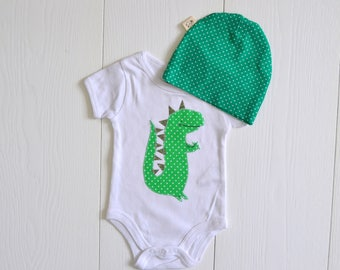 Set body white with matching hat and polka dot application