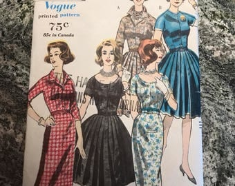 Vogue Pattern - 5121 - Size 12. Bust 32. Hip 34.
