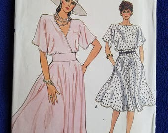 Very Easy Vogue Dress Pattern # 8970 Sz 14