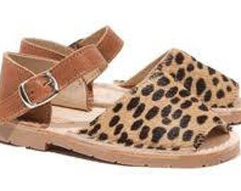Solillas Girls Leopard print Sandals (Leopardo infant)