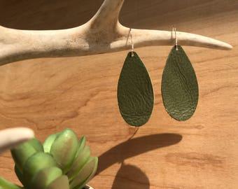 Khaki green leather teardrop eareings