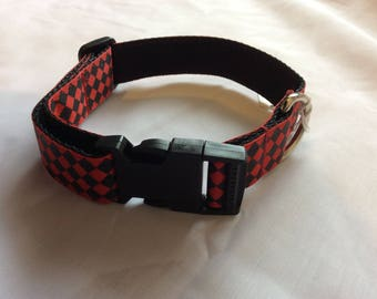 Medium dog collar adjustable  novelty red chequered design