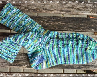 merino socks women's size UK 6,5-7,5 US 8,5-9,5, hand knit with a special cable pattern ∞ very unique