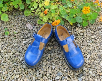 A Pair of Vintage Pre Worn Dr Martens Leather Mary Jane T Strap Shoes ~ Cobalt Blue ~ Size UK 5 ~ EU 38 ~ USA 7 ~ Made In England