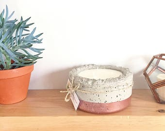 Pot of concrete with scented candle - wholesale