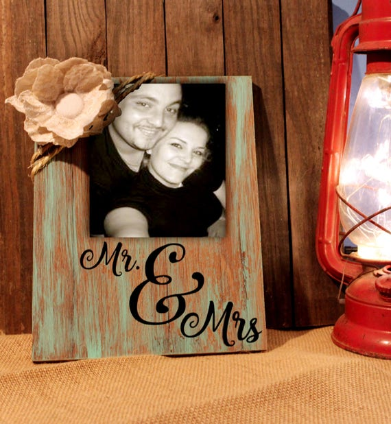 Rustic wedding gift, Mr Mrs home decor frame bride groom photo holder