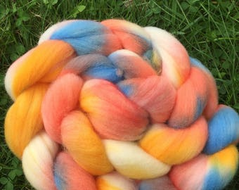 Summer sunset, Merino Roving, 4 Ounces, Hand painted, Hand Dyed