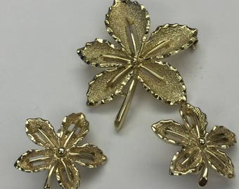 Vintage Signed Sarah Coventry Brooch & Clip Earring Set