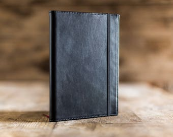 Personalized notebook in black leather, moleskine Leather Sketchbook, Custom diary, Travel journal, leather notebook, sketches journal