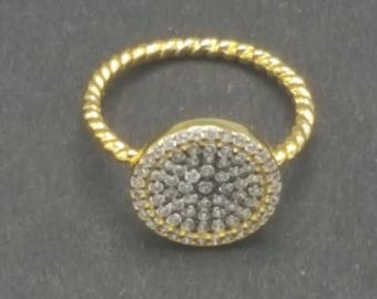 Gold round Pave Ring