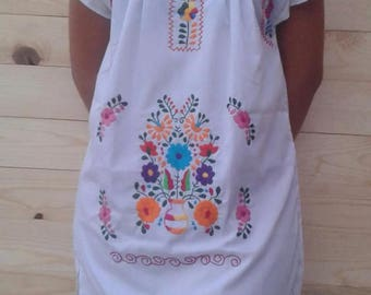 Mexican Embroidered / Bohemian dress size small