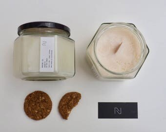 Amaretto Soy Wax Candle - Large (Cruelty-free)