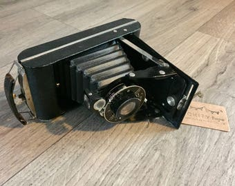 Vintage 1950s Kodak Junior Folding Camera Prop.