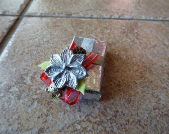 Silver Poinsettia Embellished Chocolate Favor