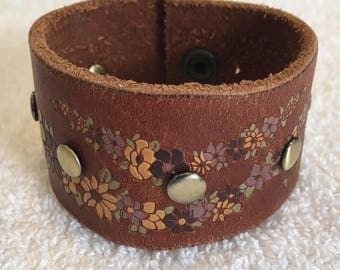 Floral Pattern Leather Cuff Bracelet with Brass Snap Rivets