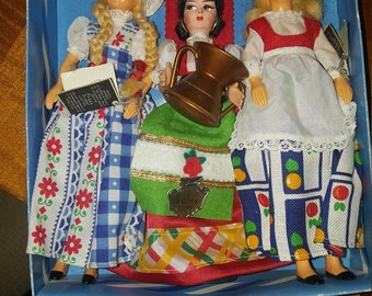 collectors costumes dolls by Peggy nisbett holland/roma/denmark
