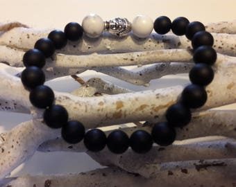 Mixed bracelet black agate matte and white howlite natural stone bead