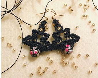 Flowers macrame earrings