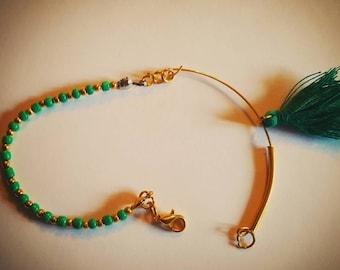 Bracelet whit tassel