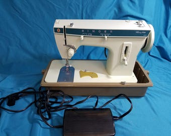 Vintage Singer Fashion Mate 257 Zig Zag Sewing Machine Great Condition