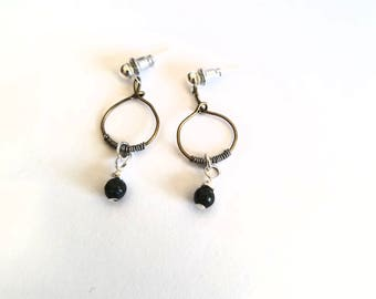 Small wire hoop earrings with gemstone charm