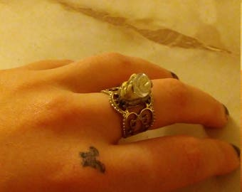 Coyote tooth adjustable ring