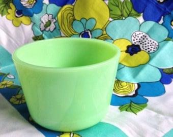 Original soft green vintage McKee jadite bowl.