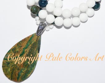 "27"" White Necklace,Green Agate Stone Pendant, Agate Necklace,27 Inch Necklace,Agate Stone Pendant Necklace, Neutral Necklace, Green Pendant"