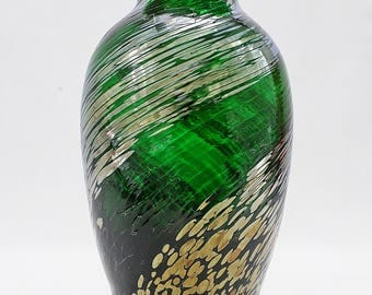 CaithnessGreen Vase with Gold & Silver Swirl