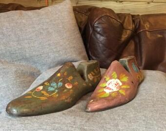 Decorative Shoe Tree Set