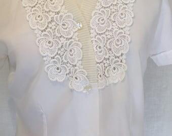 Nylon 1960s lace trim blouse Size 10