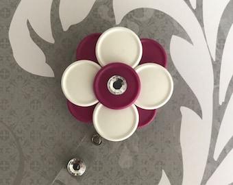 Flower badge reel 20% OFF