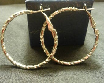 FREE GIFT INCLUDED! Silver Hoop Ladies Earings With Elegant Design Work