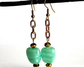 Pearls and gold chain earrings green Mint