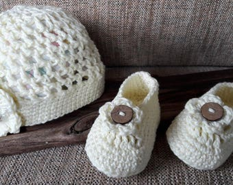 Nice Gift Set Hat and shoes Crocheted booties Baby hat Baby shoes Cute baby hat and shoes Crocheted hats and shoes Baby shower