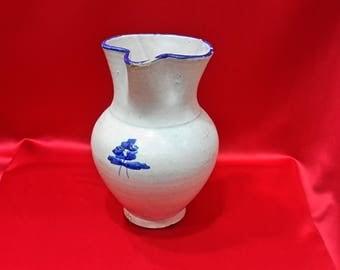 Talavera jar. Spanish Pottery.