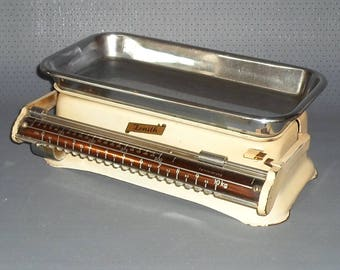 Antique kitchen weighing up to 10 kilos by Zenith, DB patent and international patent, ca. 1950s.
